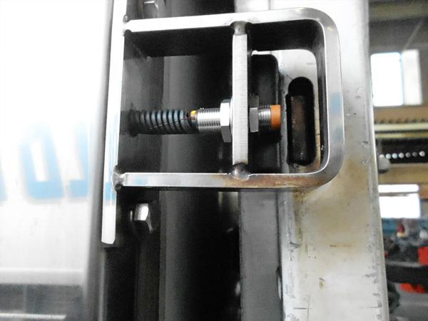 パワーゲート未格納センサー:茨城県坂東市加藤自動車販