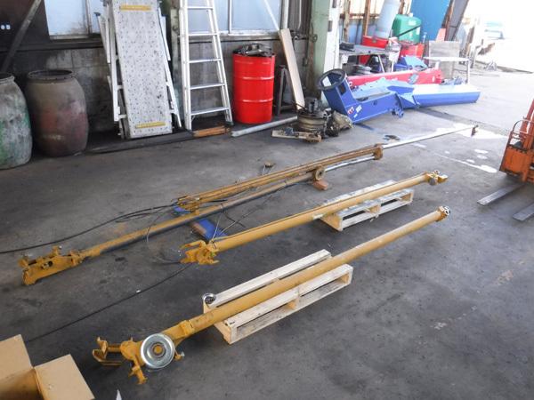 クレーン車の油圧シリンダーの修理:茨城県坂東市の加藤自動車販売