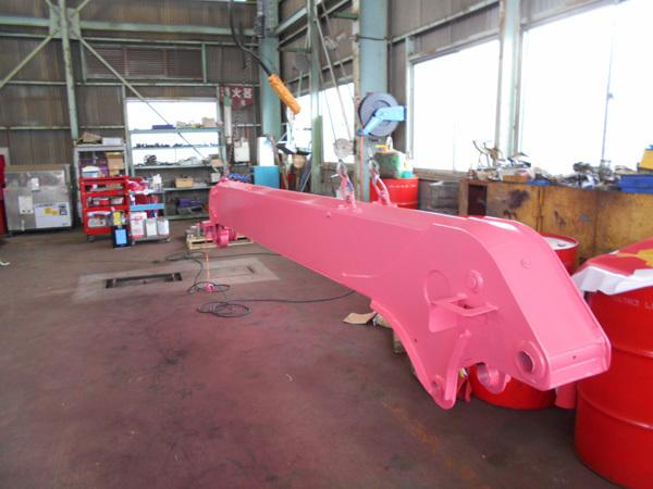 クレーン車のブームの修理:茨城県坂東市の加藤自動車販売