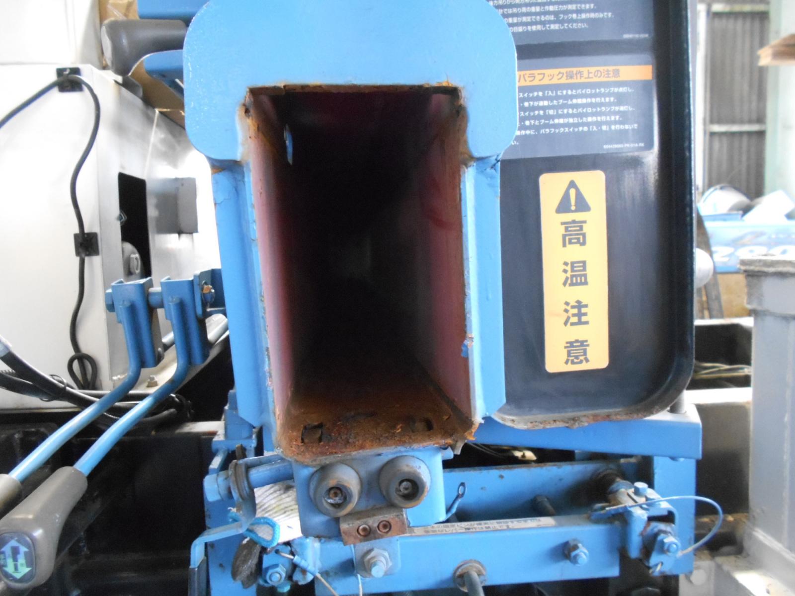 クレーン車のパーツの修理:茨城県坂東市の加藤自動車販売