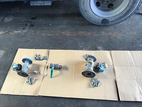 散水車の前方散水電磁弁:茨城県坂東市加藤自動車販売
