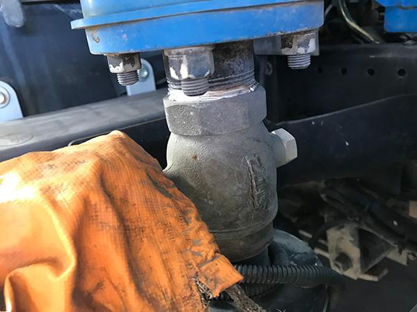 散水車パイプ凍結破損:茨城県坂東市加藤自動車販売