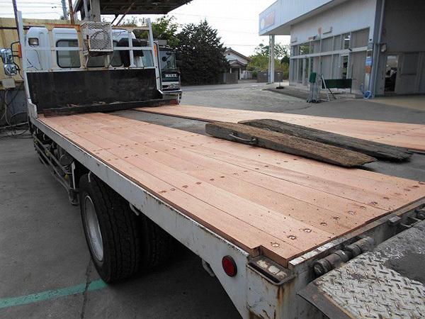 床板張替修理:茨城県坂東市の加藤自動車販売